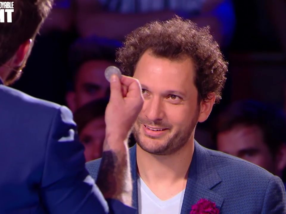 Maxence Vire Magicien (TV INCROYABLE TALENT)_6